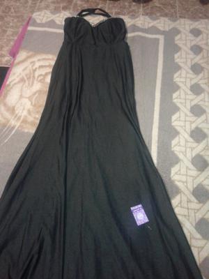 Líquido hermoso vestido de noche sin uso a $ 650