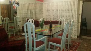 hermosa mesa de cristal con 6 sillas laqueadas base laqueada