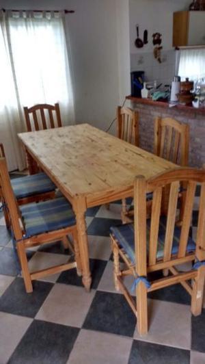 Mesa y 6 sillas de pino