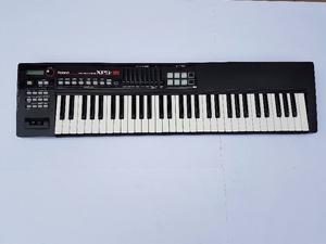 Roland XPS 10 *IMPECABLE* (Con Funda y Pedal de Sustain)