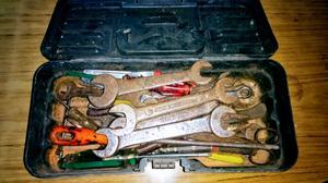Valija con herramientas varias