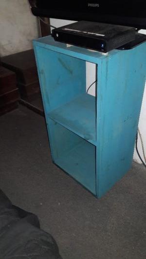 cubos en pino para biblioteca - estantes