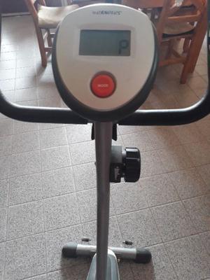 Vendo bicicleta fija magnetica marca randers. Exelente