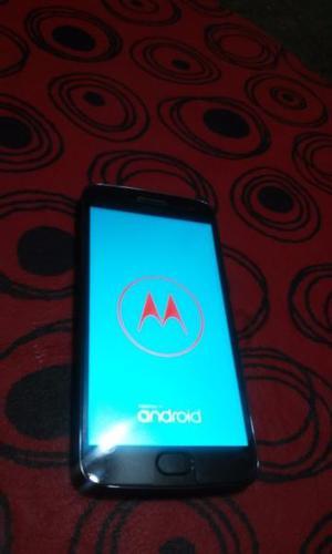 Moto G5 Plus casi nuevo