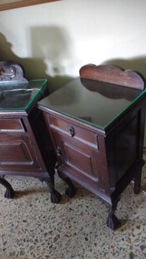 Antiguo juego de mesas de luz chippendale de Roble