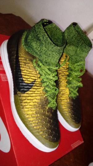 Botines Nike original nueva número 41