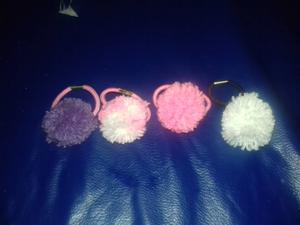 Gomitas von pompon de lana