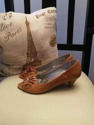 Zapatos Talle 38 Poco Uso, Buena Calidad
