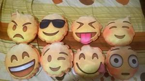 Almohadones emoji sublimados