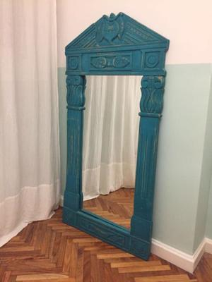 Espejo con marco de madera labrado patinado