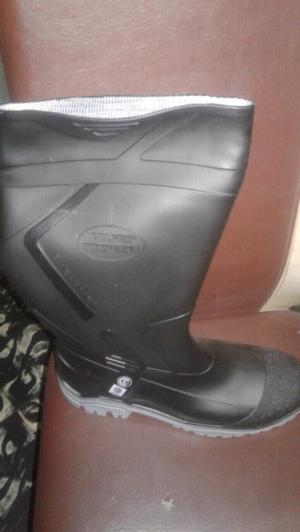 Vendo botas nuevas en caja