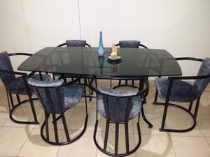 Vendo mesa y sillas