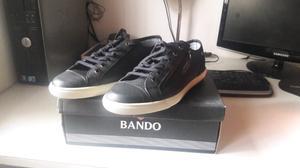 Vendo zapatillas Bando Talle 43 NUEVAS*