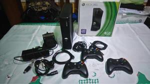 Xbox 360 De 4 Gb Con 3 Joysticks Y 60 Juegos