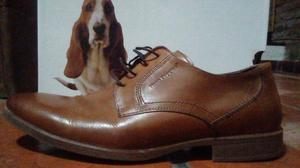 Zapatos marca hush puppies, talle 43, sin uso.