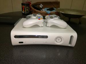 Vendo x box 360 go pro mas 2 controles y juegos