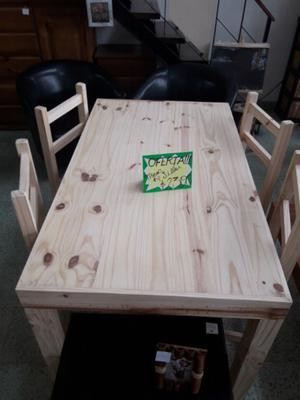 mesa y 4 sillas a