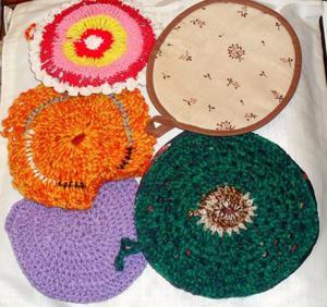 Agarraderas de crochet forradas (las 5 x $70)