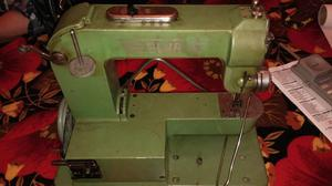 Máquina de coser elna para decoración o arreglar