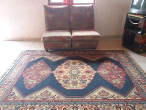 Vendo alfombra de living y sillones a reparar