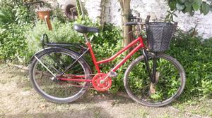 Bicicleta de mujer rodado 26 con canasto