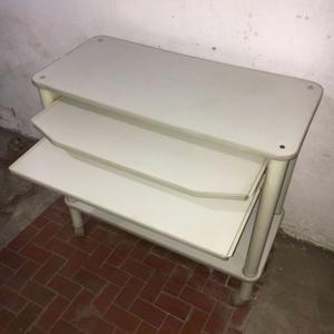 Mesa escritorio para PC con dos estantes corredizos