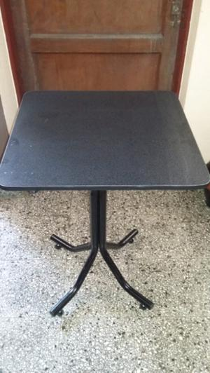 Vendo mesas para bar nuevas sin uso