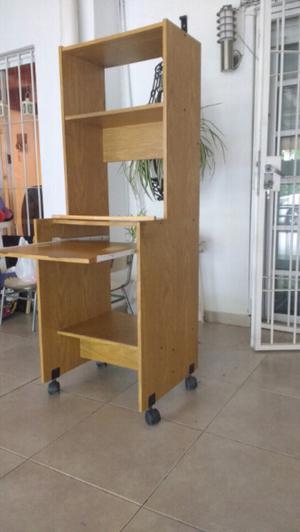 Mueble con mesa para computadora lan s posot class for Mueble para cpu