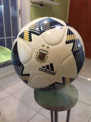 mini pelota de futbol - experiencia de usuario tilli