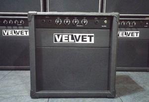 Amplificador De Bajo 30w Velvet