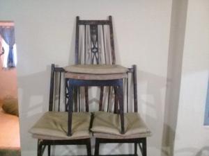 Juego de mesa y 3 sillas restaurado