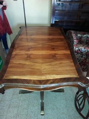 Mesa antigua de madera + sillas