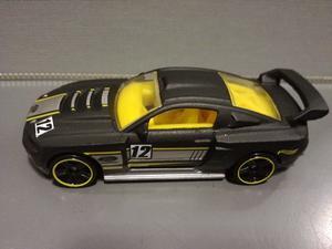 Oferta ! Ford Mustang Custom 12 Hot Wheels 1/64 Originales !