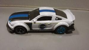 Oferta ! Ford Mustang  Hot Wheels 1/64 Originales !