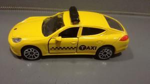 Oferta ! Porsche Panamera Taxi Majorette 1/64 Originales !