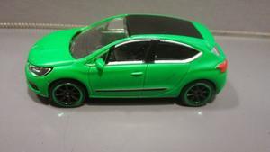 Oferta ! Toyota Corolla VERDE Majorette 1/64 Originales !
