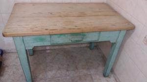 Vendo antigua mesa de campo con cajon