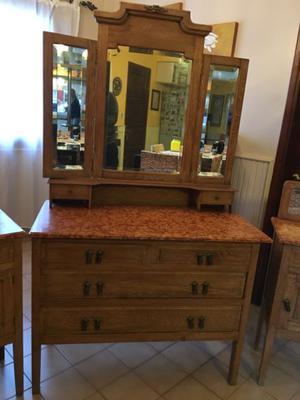 Comoda antigua de roble macizo con mármol y espejo