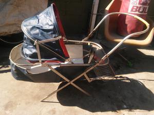 Antiguo coche Bb para decoración o reciclar