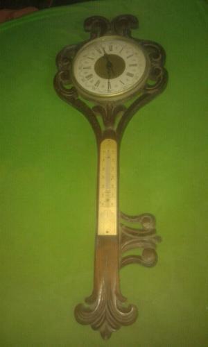 Antiguo reloj automático de pared Fornitex.