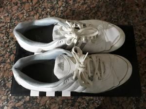 Vendo zapatillas Adidas casi nuevas