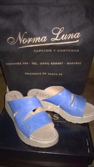 Sandalias de cuero impecables