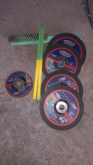 Vendo discos cepillo de acero hojas de sierra y otros