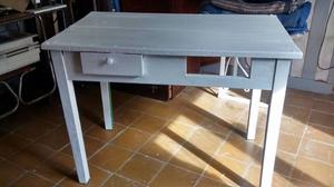 Vendo mesa de madera dura, está firme - Te.  o