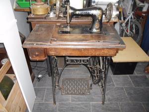 Maquina para coser Singer antigua pie de fundicion de hierro