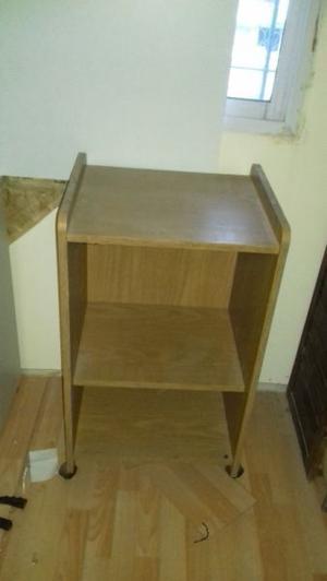 Mesa para tv color roble