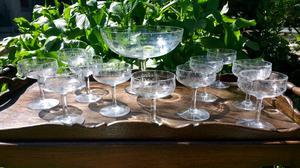 Juego de copas de cristal y frutera
