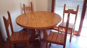 Juego de mesa y 4 sillas de pino