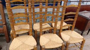 Antiguo juego de sillas estilo campo colonial