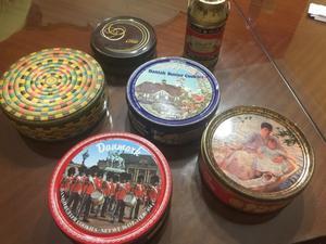 Lote de latas antiguas